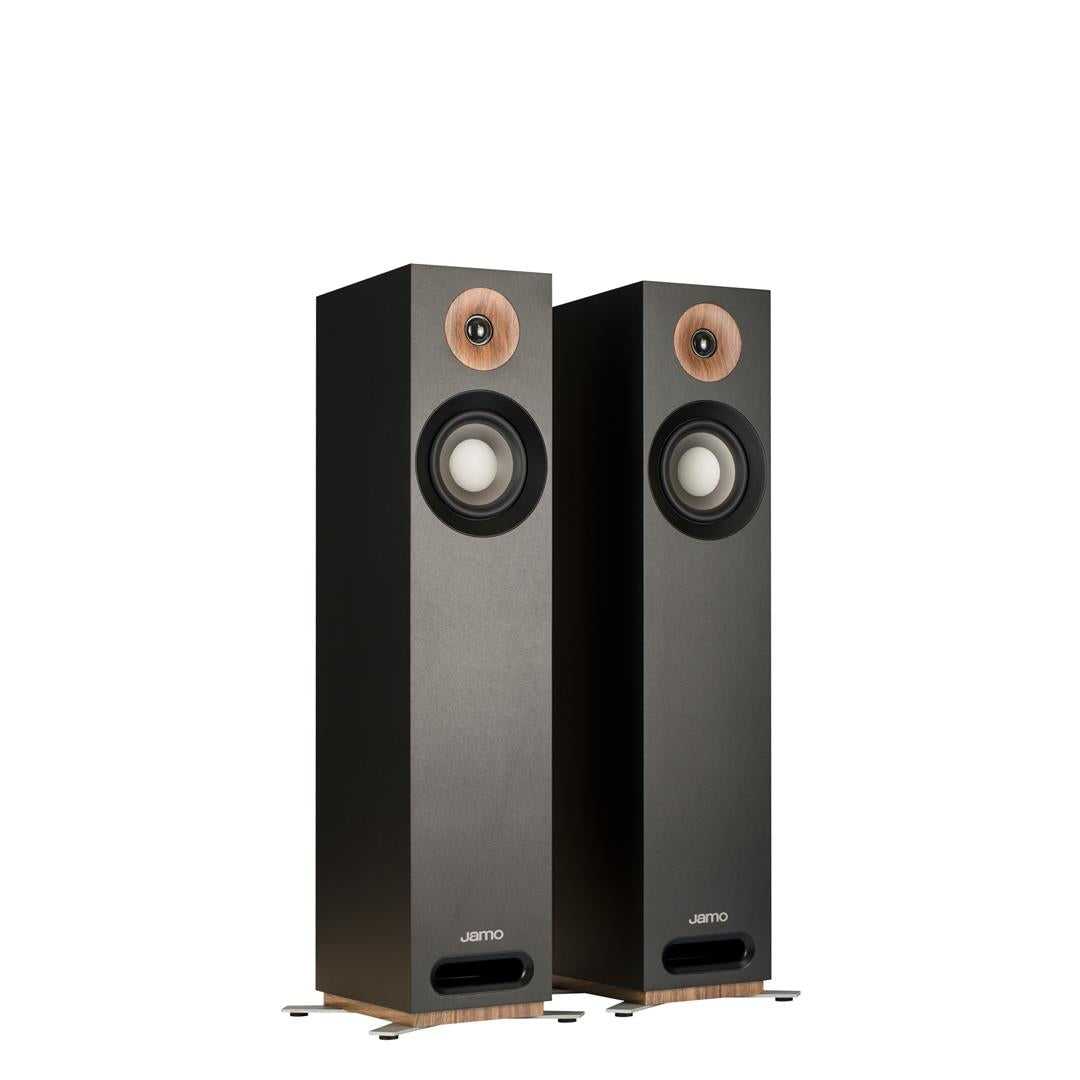 What Hifi? reviews the Jamo S 805 Floorstanding Speakers