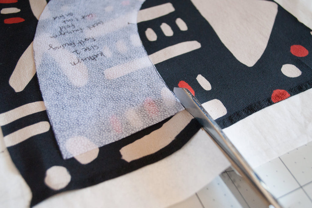 How to Cut Out Silk Fabric