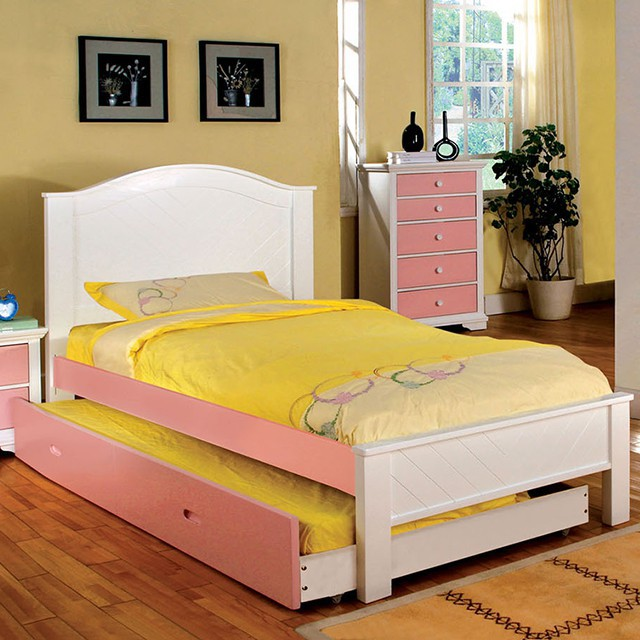 Aila Bed