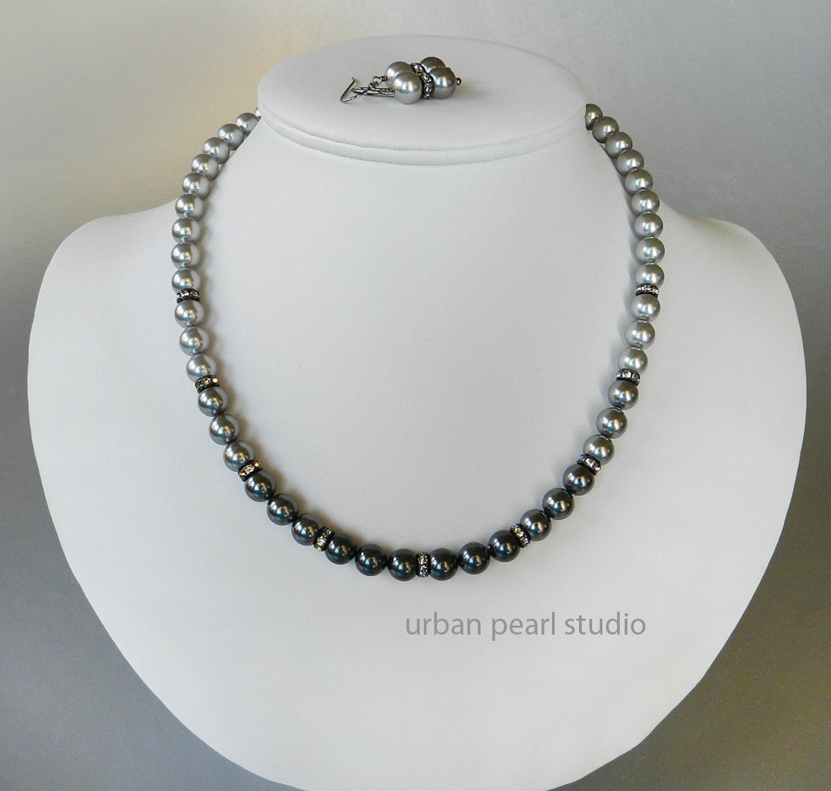 Shades of Gray Ombre Pearl Necklace Earrings Set - 4 Shades of Grey Swarovski Pearls Bridesmaid Jewelry