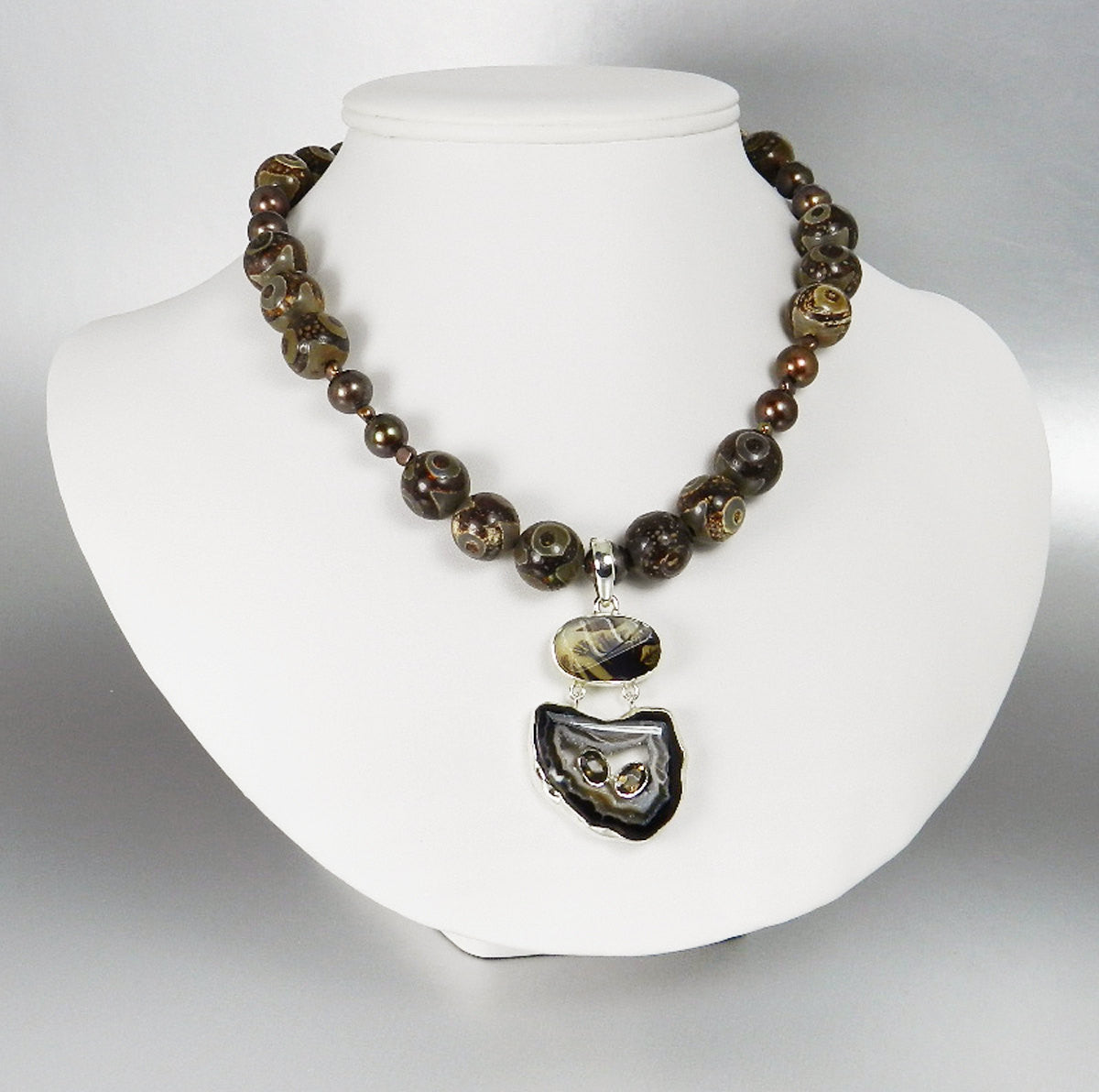 Agate Slice Druzy Necklace - Tribal Jewelry African Necklace With Raw Agate and Brown Pearls Scenic Agate Hinged Pendant