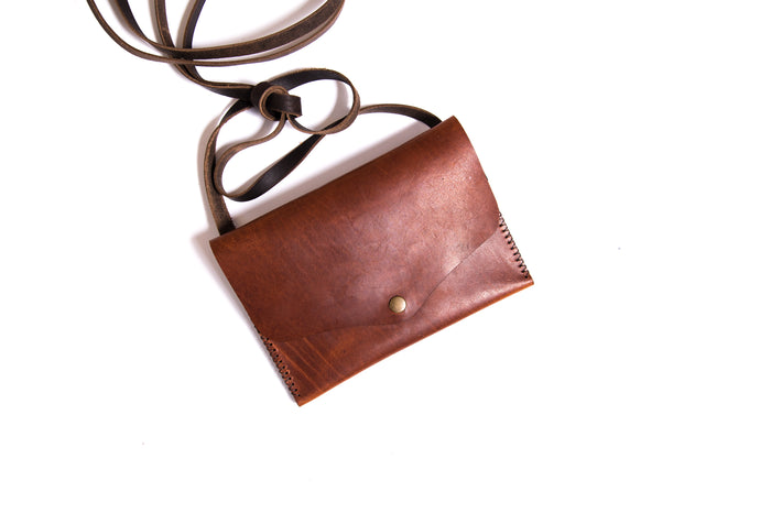Trekker Crossbody Purse - Tobacco