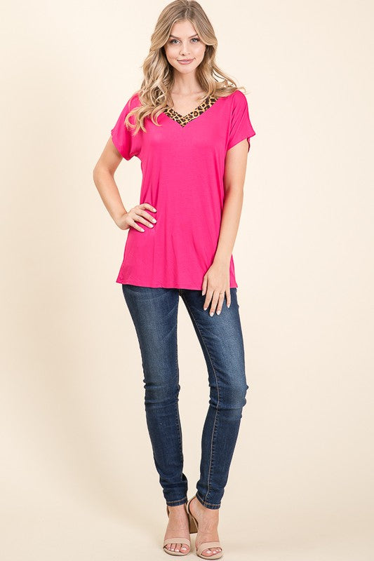 V-neck Leopard Trim T