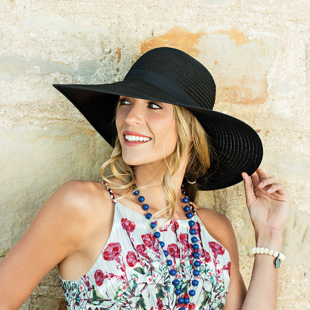 Mom loves elegance, especially on Mother's Day. Wallaroo's Aria Mother's Day Hat is the perfect gift for mom.