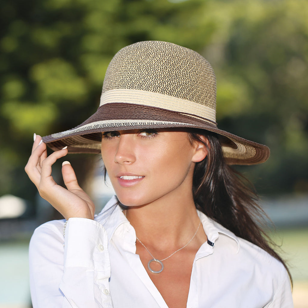 More love for Wallaroo Hats by bologBetterAfter50!