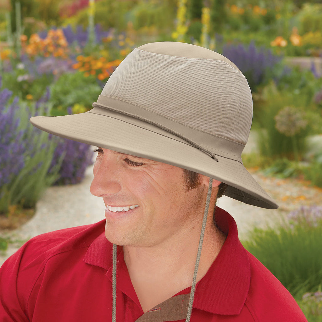 Wallaroo has the best wide brim hats for men. Check out RECOIL OFFGRID for their Wide Brim Buyer's Guide.