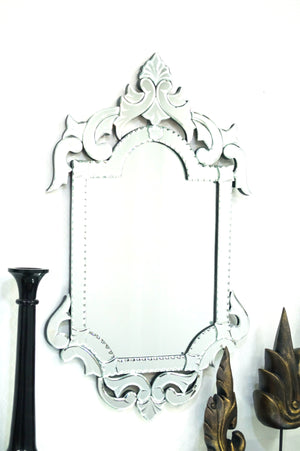 QUEEN VENETIAN WALL MIRROR