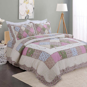Patchwork cotton quilt with bedsheet