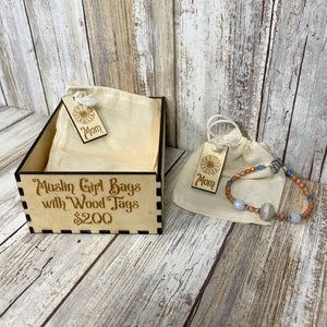 Muslin Gift Bag with Wood Tag - Mom with Daisy Flower