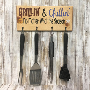 Chillin & Grillin Barbecue Tool Holder - Engraved Pine Wood