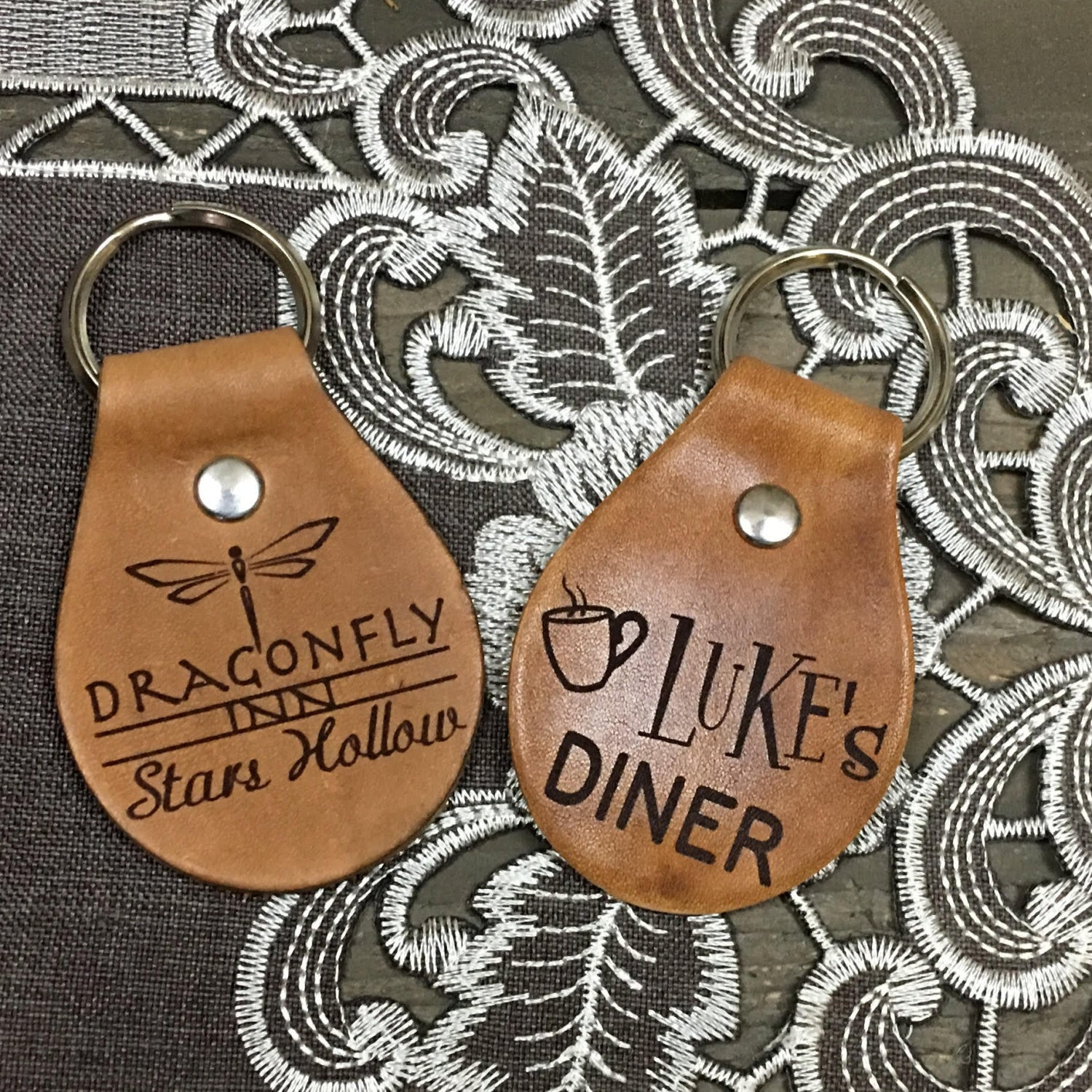 Dragonfly Inn or Luke's Diner Stars Hollow Key Chain Fob - Gilmore Girls - Engraved Tan Leather