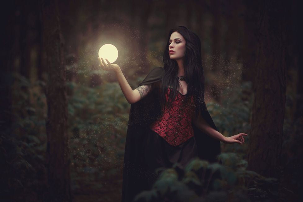 5 Easy Spells for the Beginner Witch: Protection, Love, Success, Healing, and Intuition