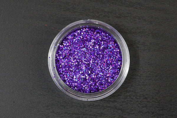 5 Holographic Glitters to choose from (10g jars).