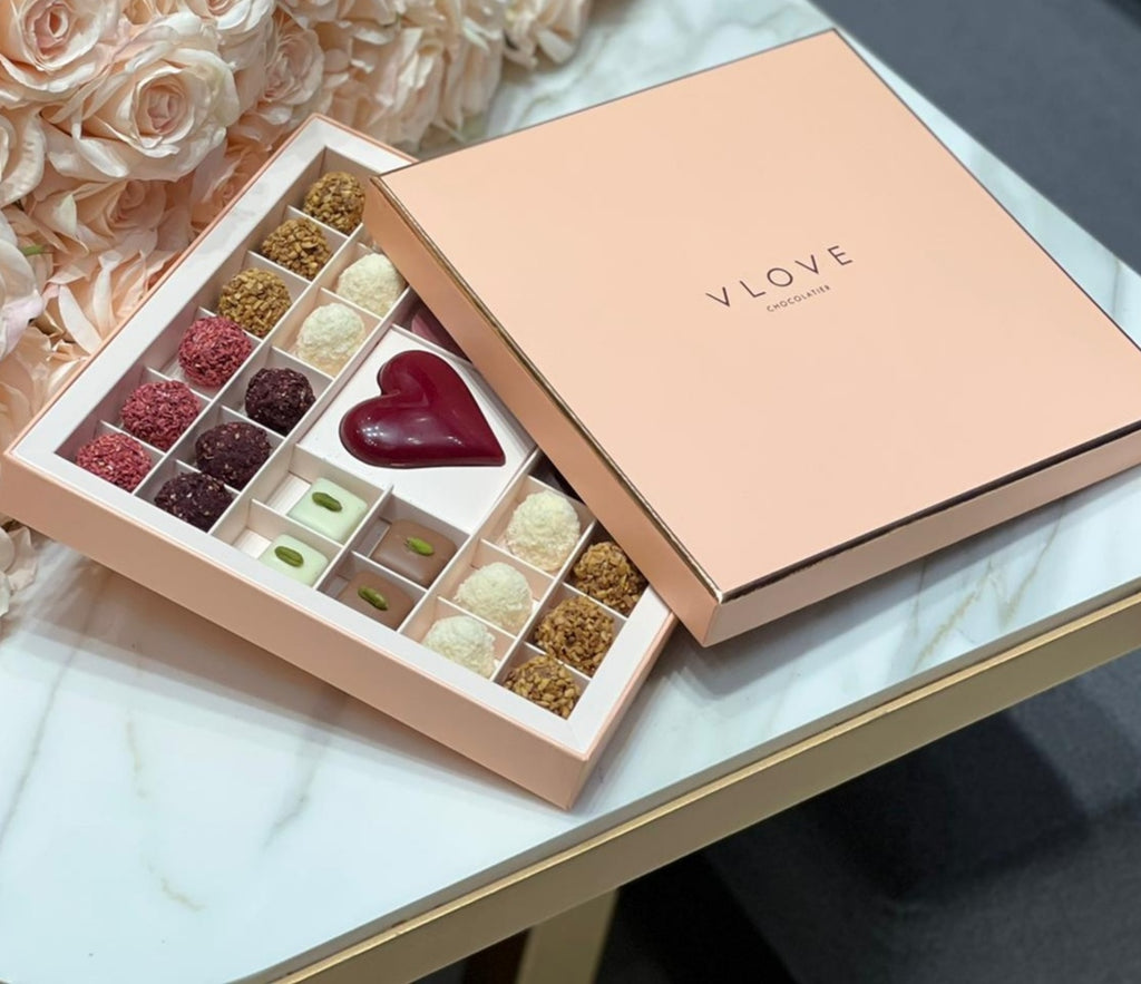 Love Mix Chocolate Box With Mini Bouquet