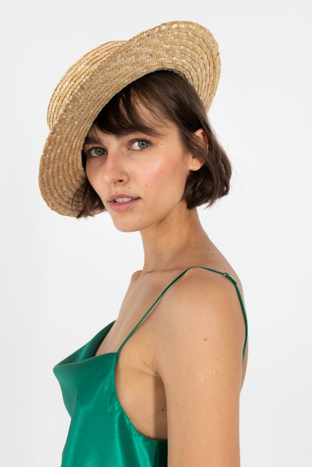 le-slap-fashion-summer-hat-inspo-natural-straw-make-up