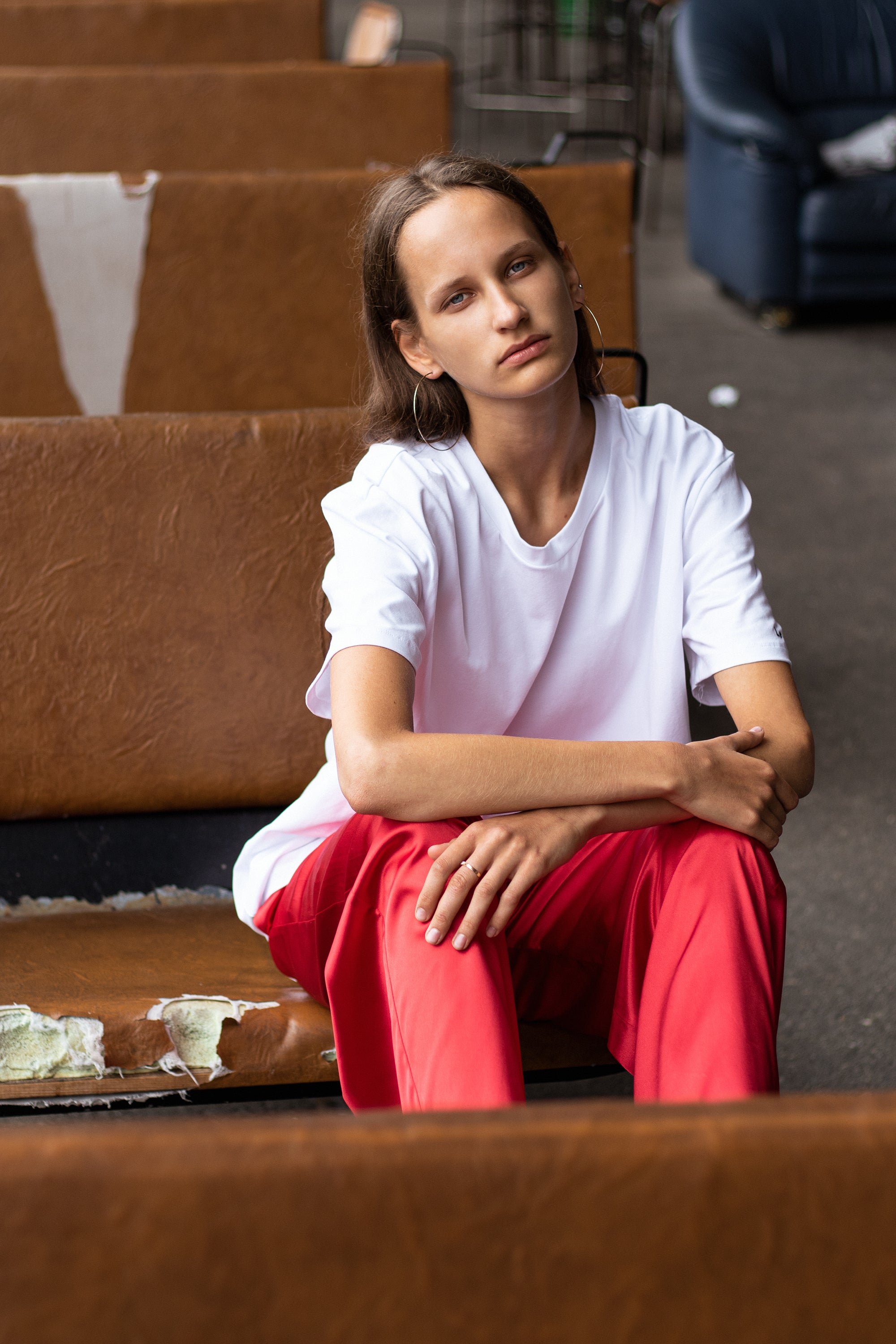 le-slap-girl-fashion-photoshoot-white-logo-tshirt-red-pallazo-pants.jpg