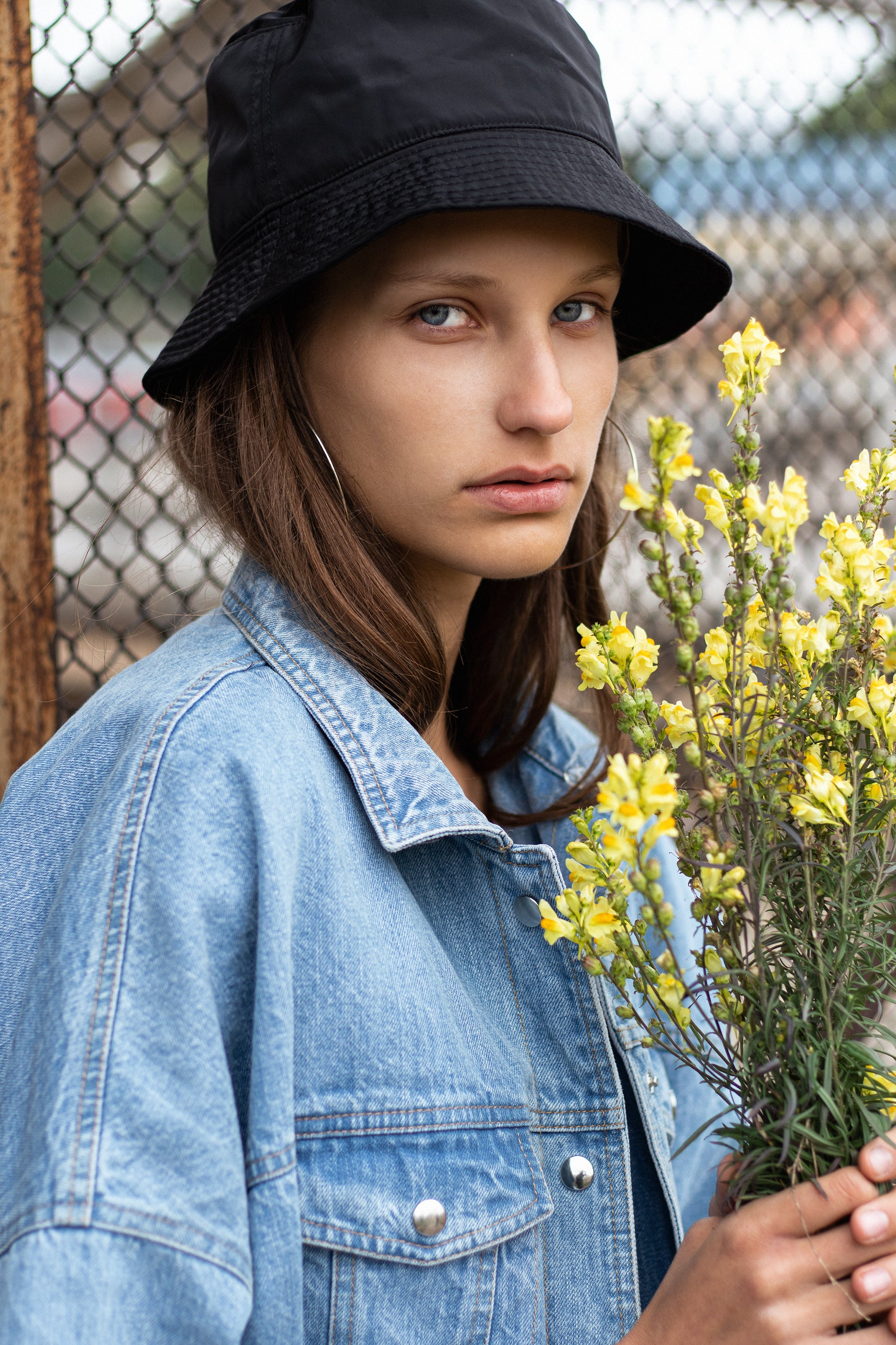 le-slap-girl-streetstyle-photoshoot-denim-genes2-jacket-with-wording.jpg