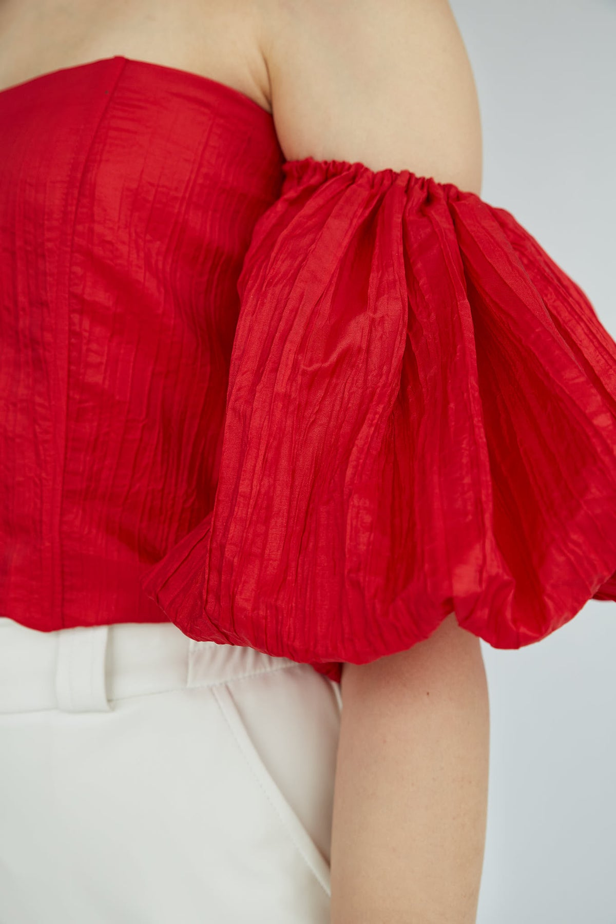 Frida-Red-Volume-Sleeve-Top-Le-Slap-Clothing-Off-Shoulder-details.jpg