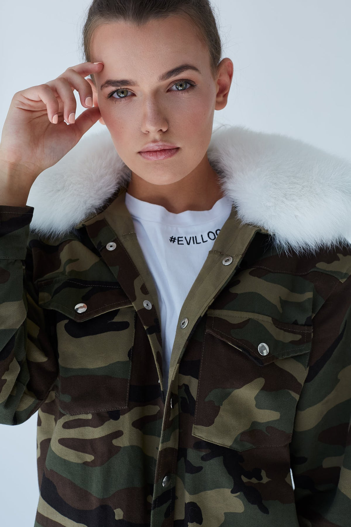 Camo-Series-Oversize-Camouflage-Print-Jacket-with-white-Fox-Fur-le-slap-details.jpg