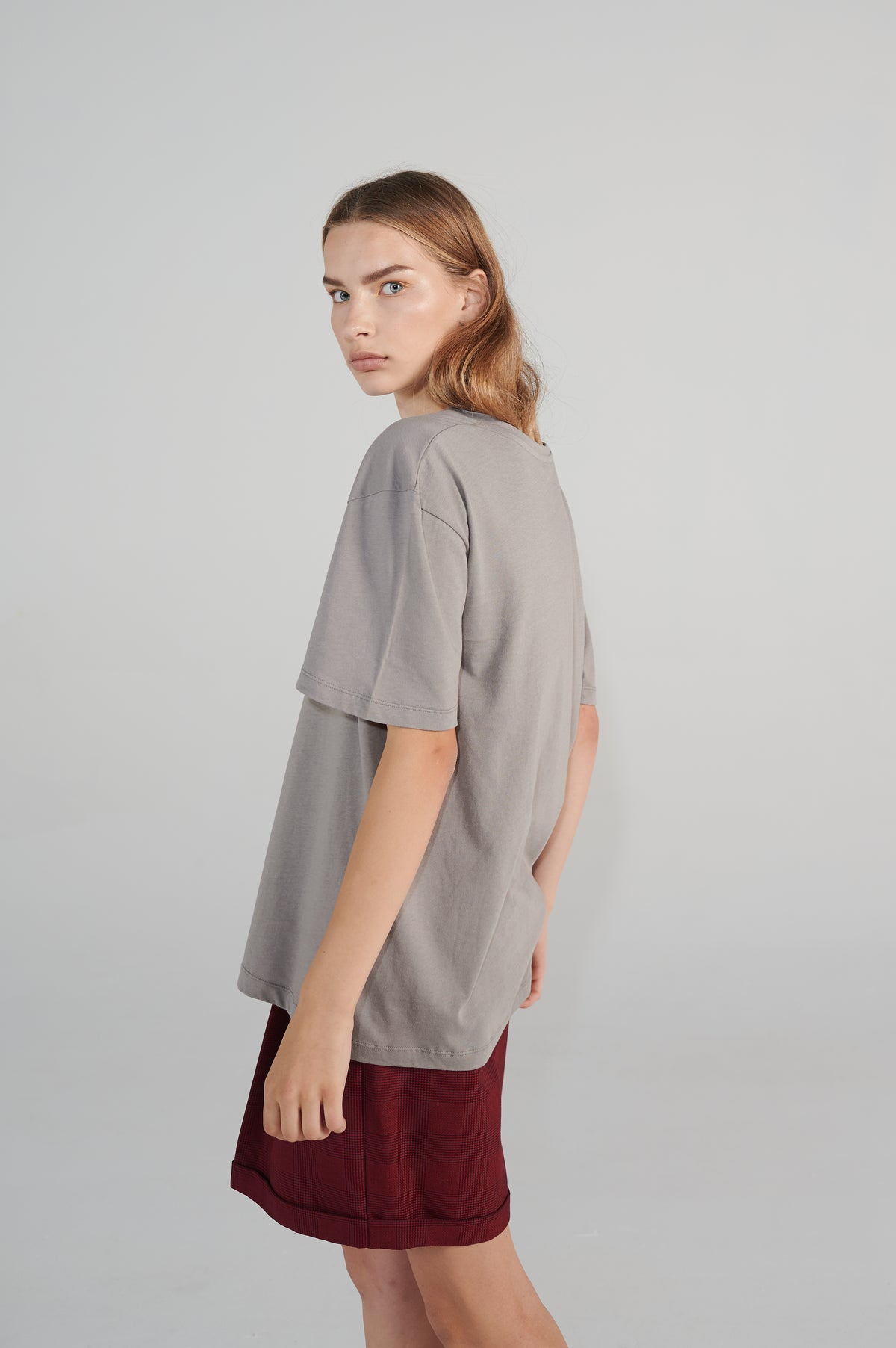 russki-tshirt-organic-cotton-oversize-fit-round-neck-short-sleeves.jpg