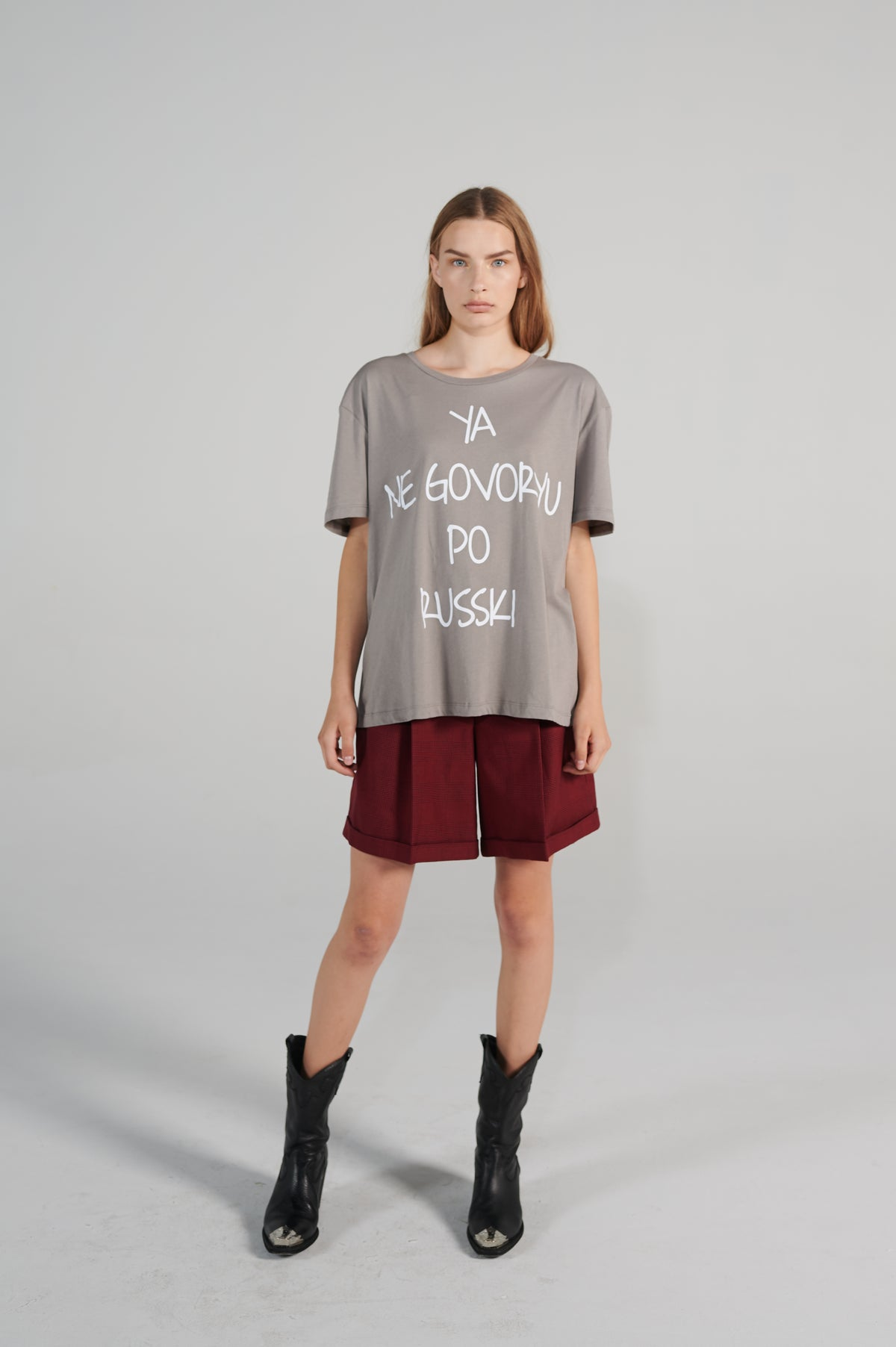 russki-grey-organic-cotton-tshirt-with-wording-le-slap-oversize-fit.jpg