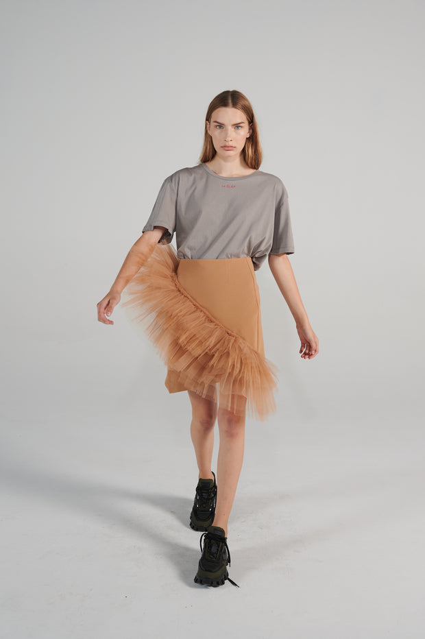 le-slap-wear-tulle-nude-skirt-midi-grey-tshirt-lookbook.jpg