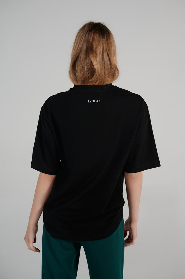 lifetime-line-loose-fit-black-tshirt-with-logo-lookbook.jpg