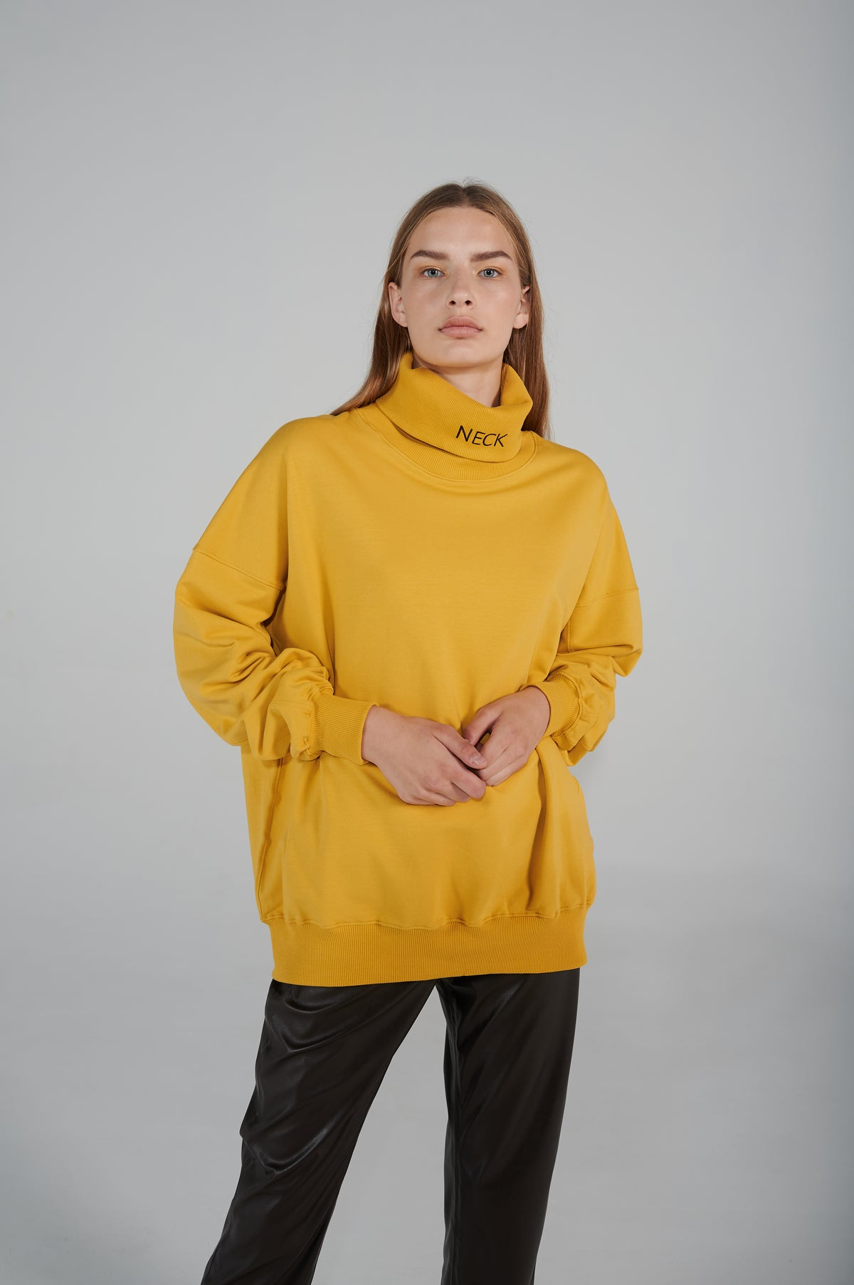 le-slap-details-long-sleeves-dropped-shoulder-line-loose-round-neck.jpg