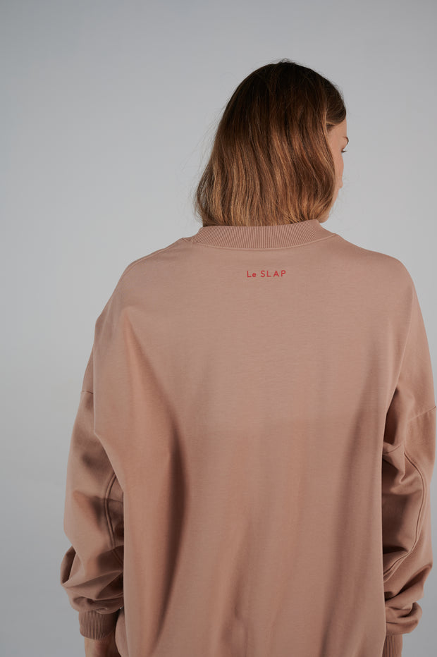 le-slap-liftime-line-etails-red-logo-on-the-back-lookbook-clothing.jpg