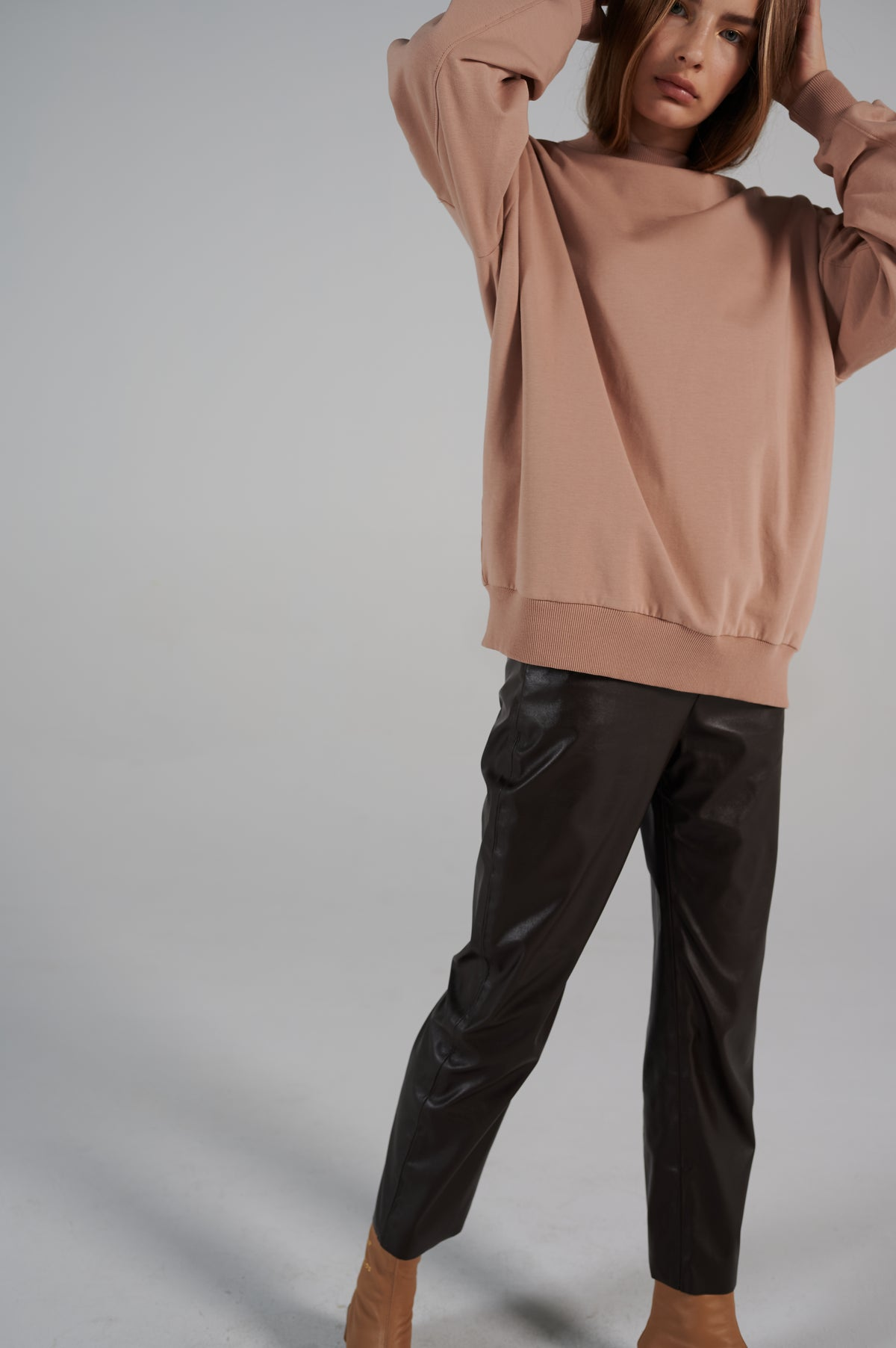 forest-brown-eco-leather-pants-le-slap-details-lookbook.jpg