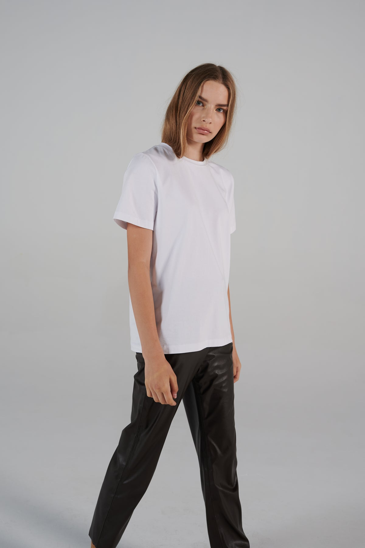lifetime-line-le-slap-logo-white-tshirt-bold-contrasting-lookbook.jpg