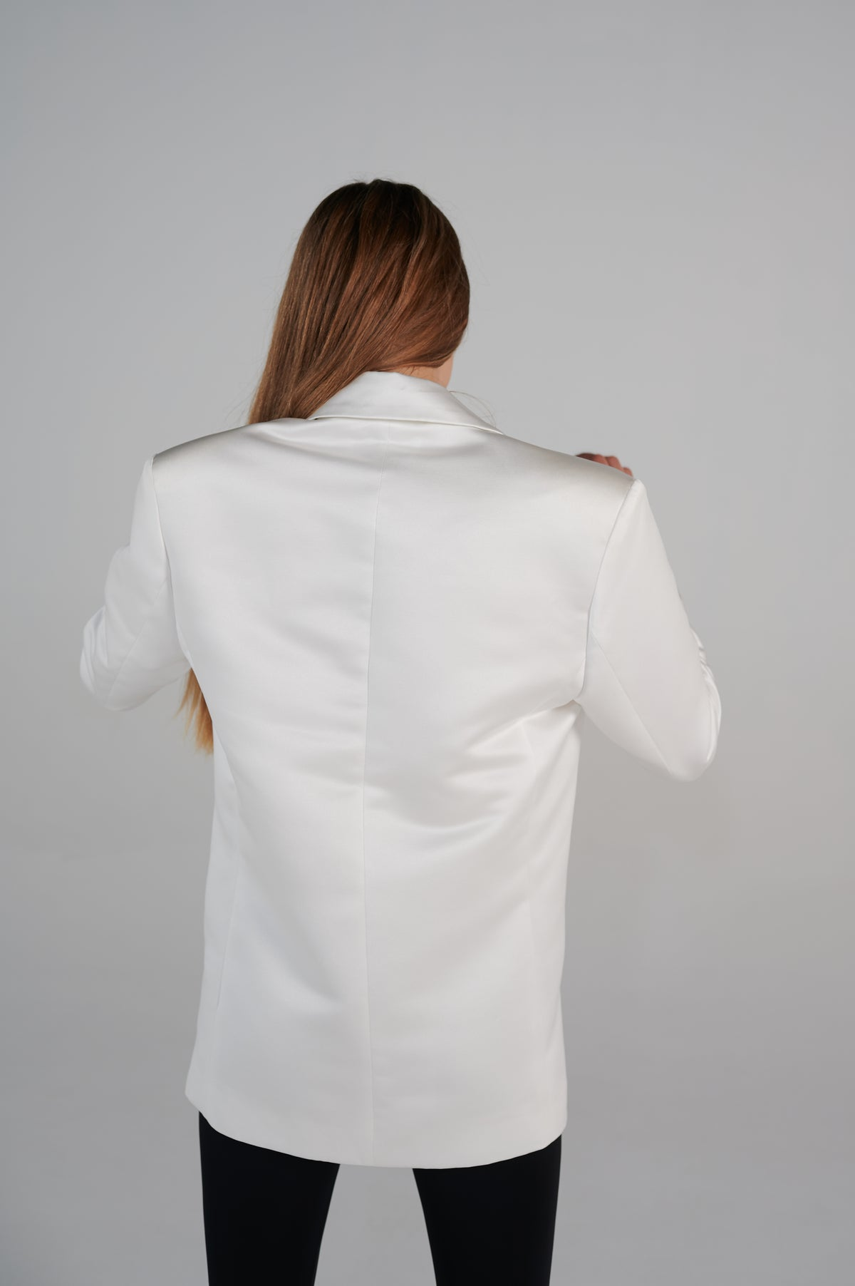 white-tailoring-jacket-back-long-sleeves-v-neck-oversize-shoulders.jpg
