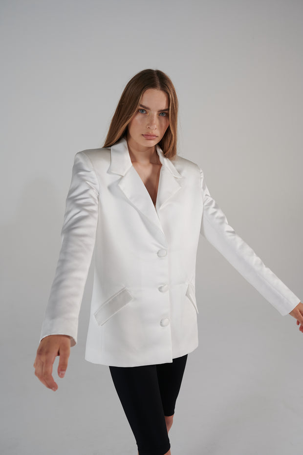 grace-kelly-white-tailoring-jacket-le-slap-lookbook.jpg