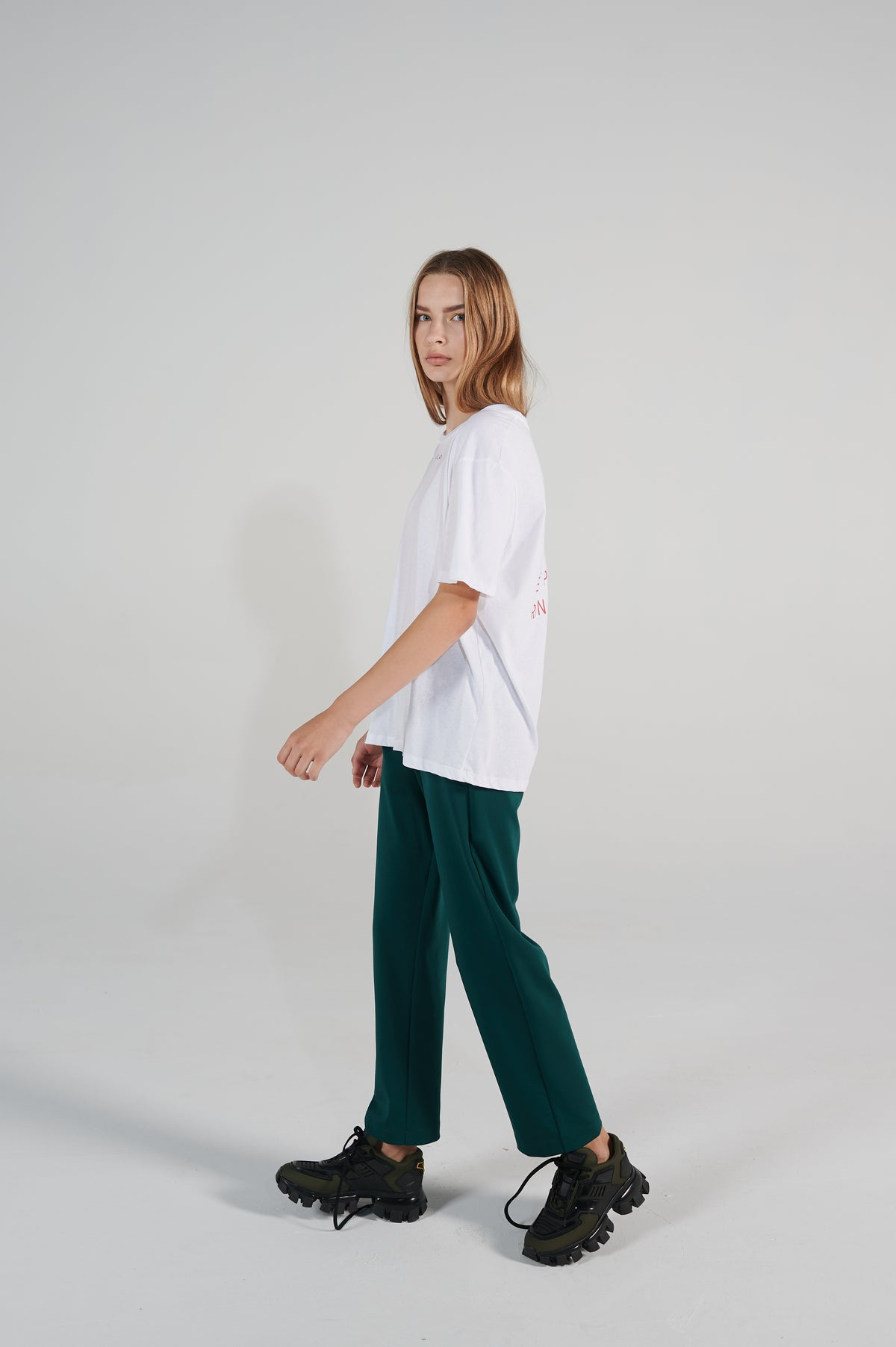 lounge-pants-le-slap-green-with-pocket-high-waist-lookbook.jpg