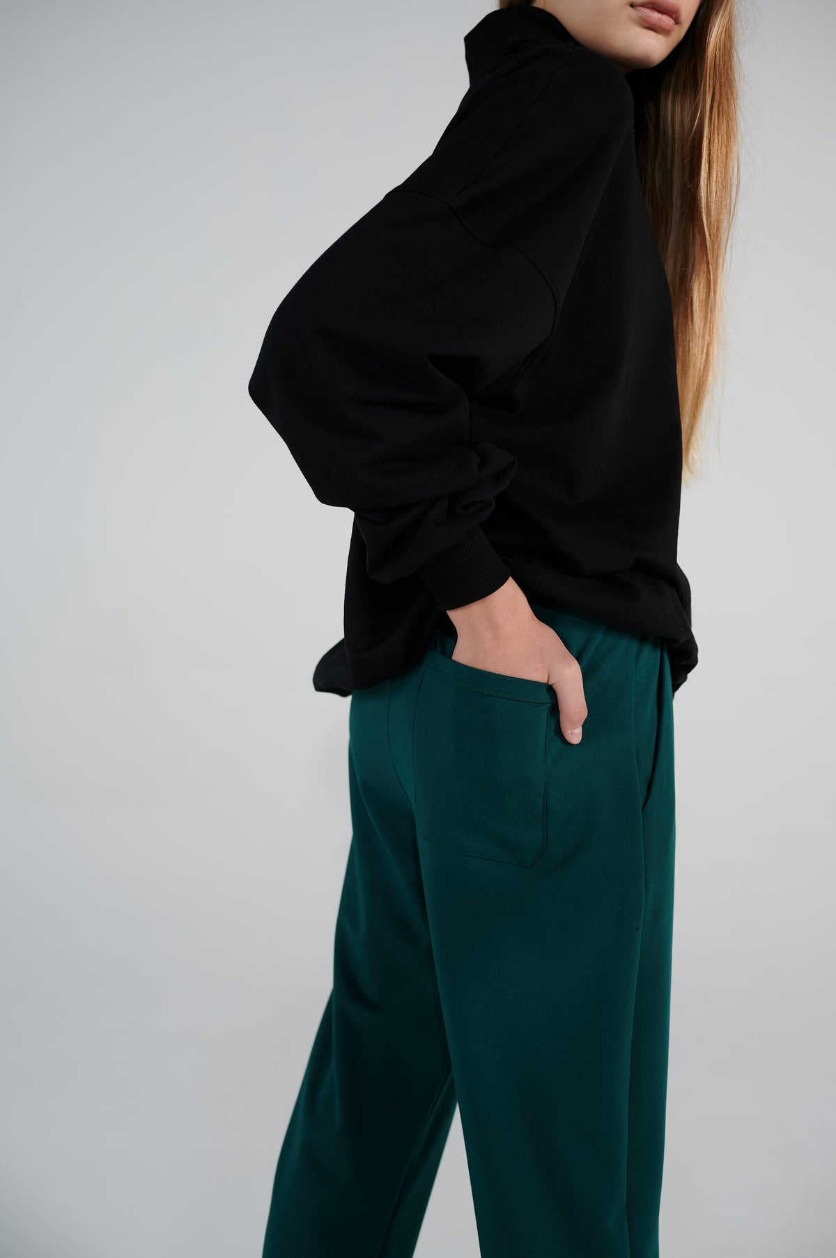 le-slap-details-lookbook-green-lounge-pants-relaxed-fit.jpg