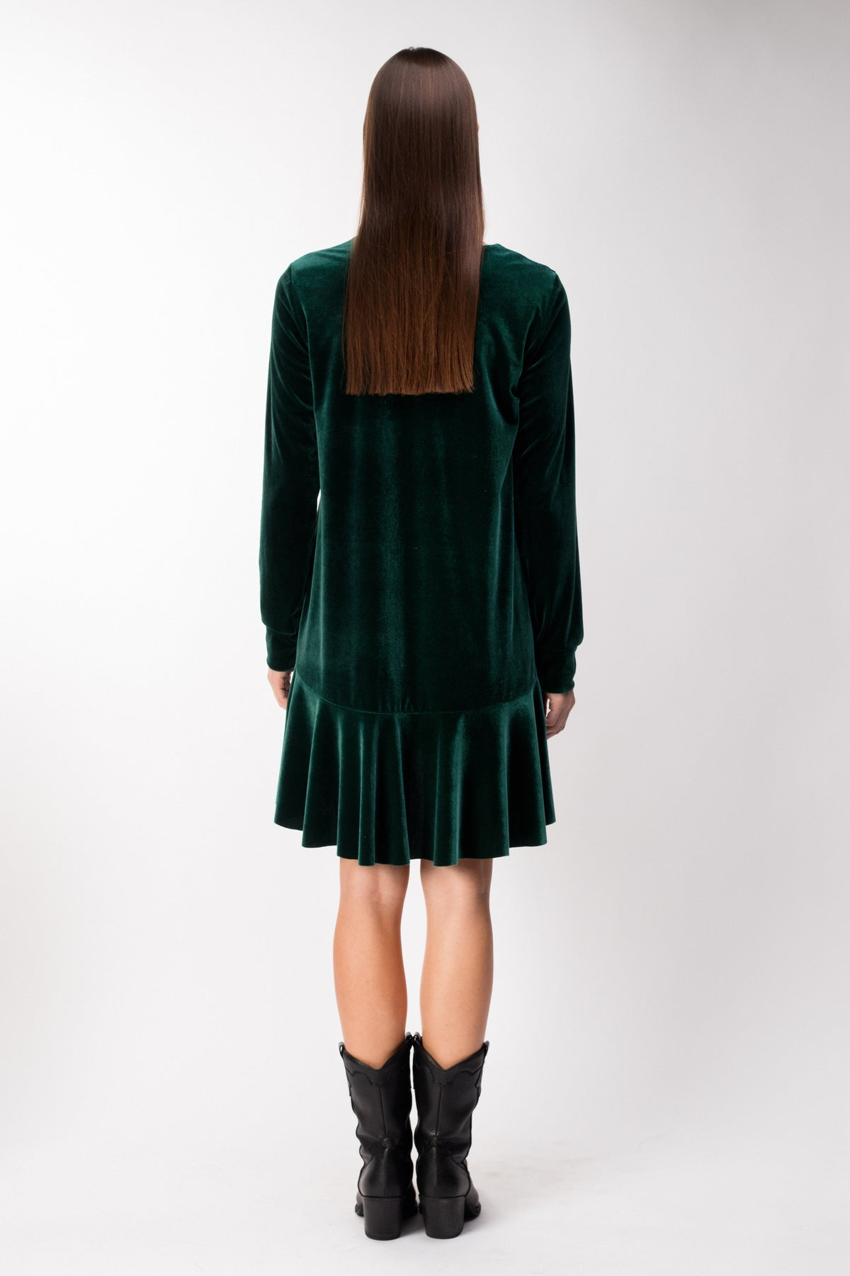 YEAR-ROUND-little-emerald-velvet-dress-le-slap-clothing-v-neck-details.jpg