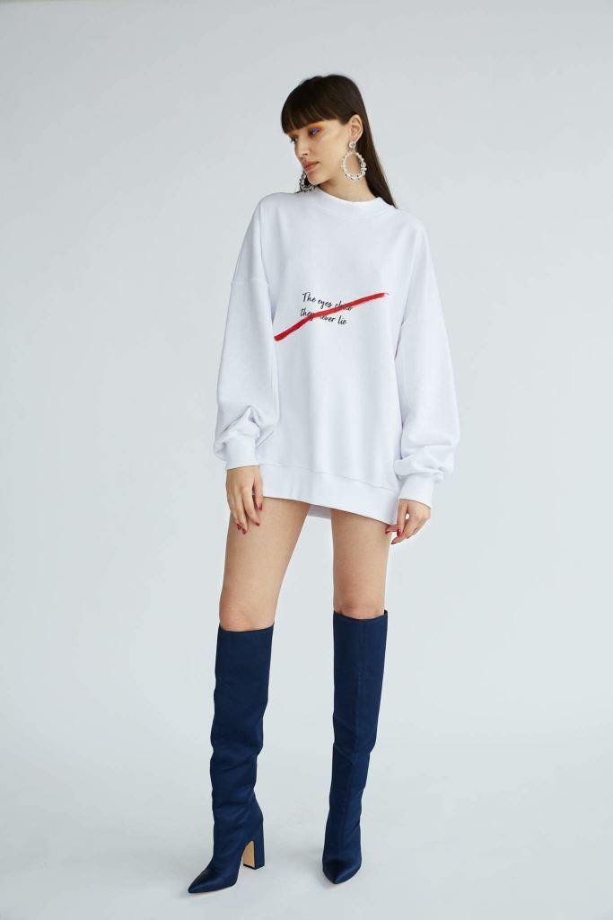 SCARFACE-White-oversize-sweater-with-wording-le-slap-clothing-quote.jpg