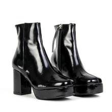 JEFFREY CAMPBELL FOSSE-LO . Platform Boot. Black High Shine. Box Calf Leather Upper. 2.5cm Platform Sole. 9cm Block Heel. Inside Zip Closure. Textile Lining. Man Made Sole. Designed In California. Free Shipping Over $150. Afterpay & zipPay Available.