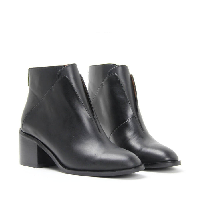 JEFFREY CAMPBELL JERMAIN. Classic Ankle Boot. Black Calf Leather
