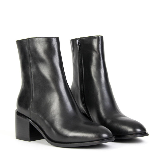 OASIS Stack Ankle Boot Black