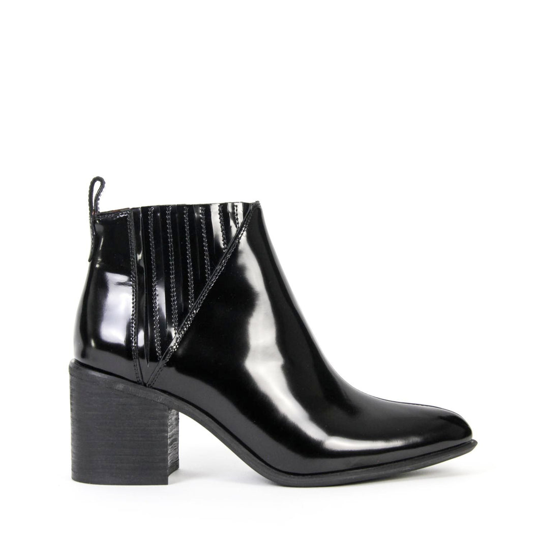 JEFFREY CAMPBELL VIGGIO BLACK BOX LEATHER. Pointed Toe, Block Heeled Chelsea Boot. Free, Fast Shipping Australia Wide On Orders Over $150. Afterpay & ZipPay Available.