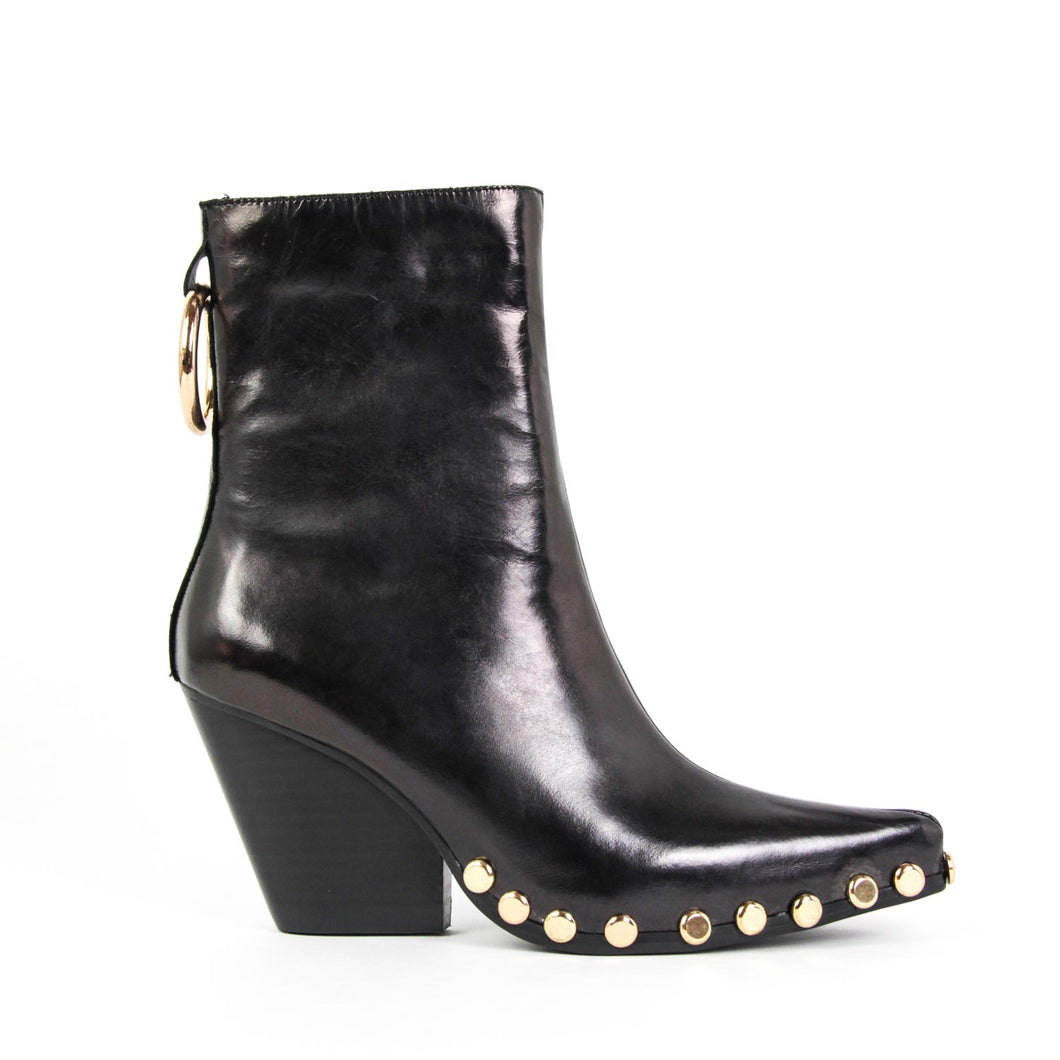 The Jeffrey Campbell Walton-STR western boot is crafted in black metallic leather with gold metal studs surrounding the sole and gold ring detail with inside zip entry on a cuban heel. Buy Now Afterpay & zipPay Available. Free & Fast Shipping AU.
