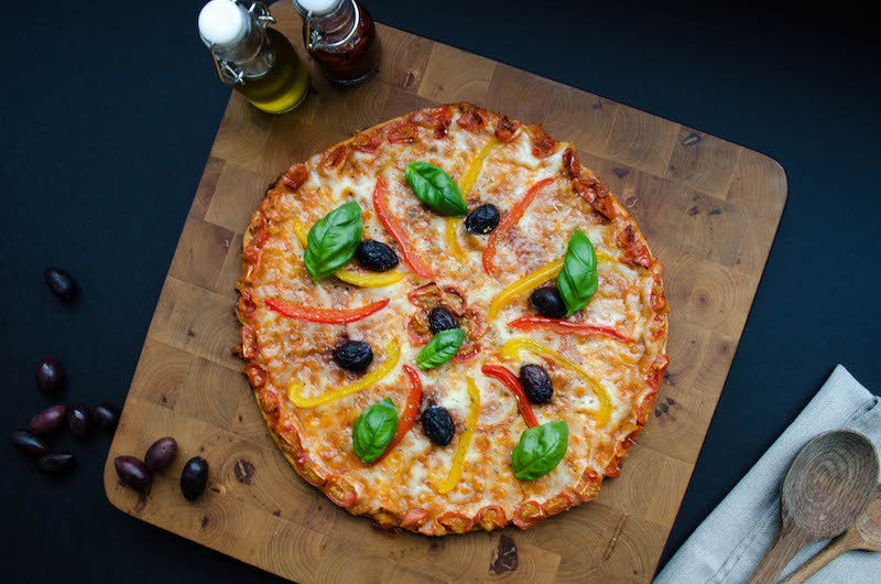 Pepper pizza and basil