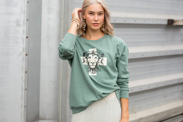 Stella and Gemma Sweater 3099 Iceberg Green Lion
