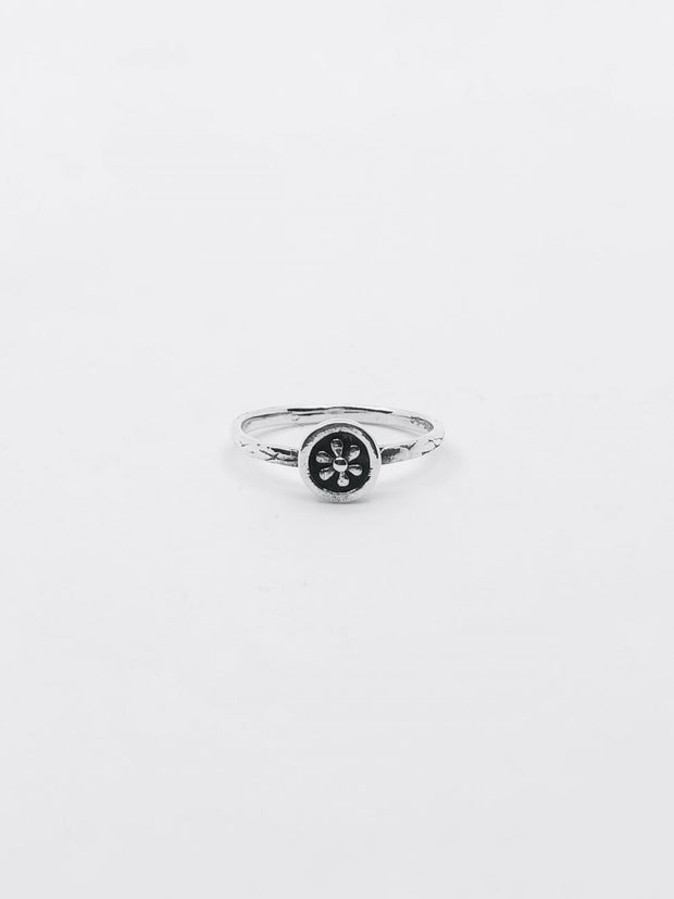 Some Sterling Silver Daisy Disc Ring 022