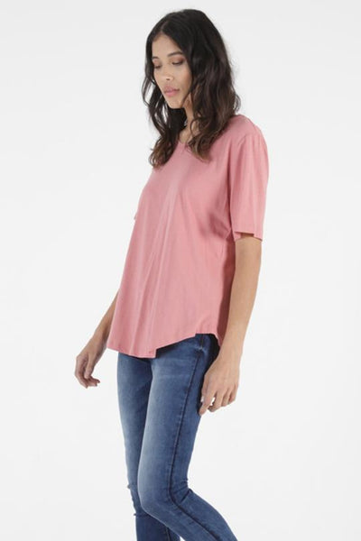 Betty Basics Ariana Tee in Punch 267