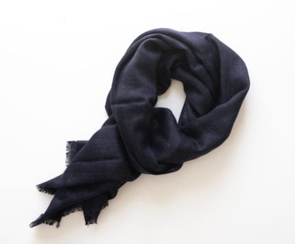 Stilen Aspen Scarf in Navy