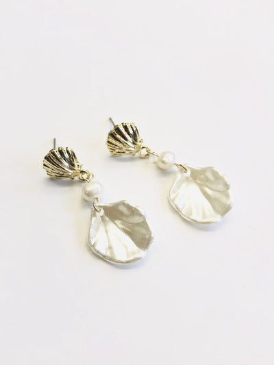 Some Clam Pearl Drop Earrings 011