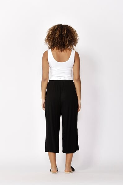 Betty Basics Dublin Cropped Pant in Black