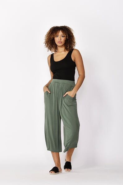 Betty Basics Dublin Cropped Pant in Olive